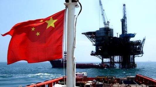 China va introduce propriul sau contract petrolier futures, rivalizand cu Brent si WTI