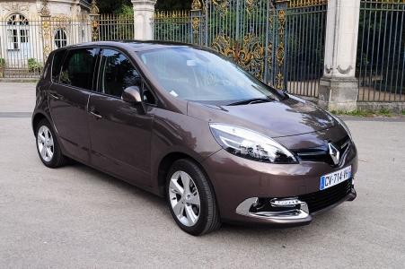 Trei sindicate de la Renault si-au dat acordul pentru noul acord de competitivitate