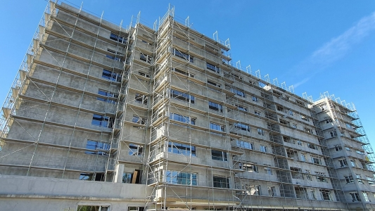 Un dezvoltator din Marea Britanie vrea sa finalizeze blocurile abandonate de Gigi Becali in Pipera
