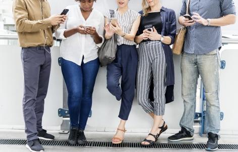 Vanzarile de smartphone-uri au ajuns anul trecut la 1,54 miliarde de terminale. Cum va evolua piata in urmatorii ani